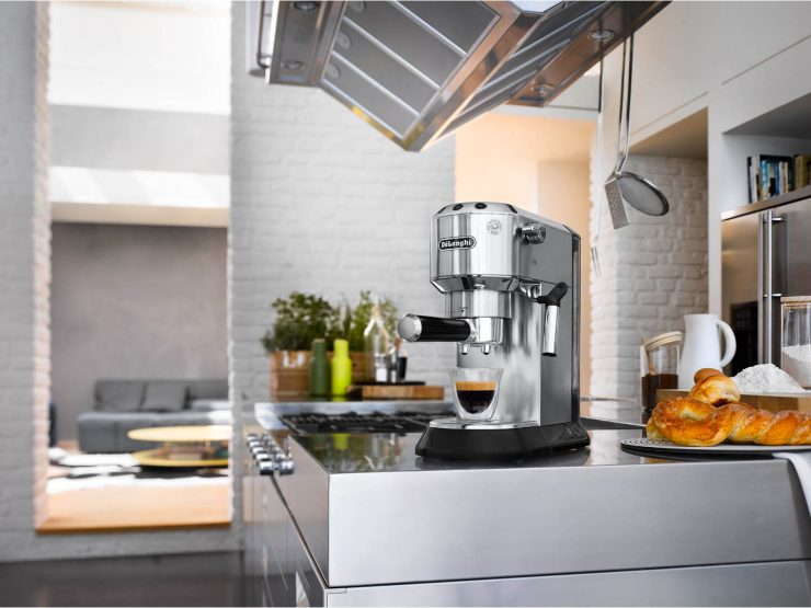 Delonghi Dedica EC.680.M looks great in modern kitchen