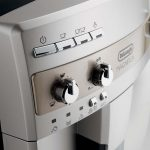 De'Longhi ESAM3300 Magnifica has mechanical control